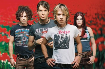 Dandy Warhols in vintage tees